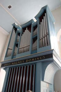 Club Tour 2013 in Edinburgh.  1998 Frobenius organ (2/20), Kirk of the Canongate (Photo: R Blanch)