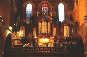 Lewis organ St. Mary's Bourne Street, Lodon (Photo: R Blanch)
